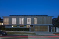 Image 12 of 27 from gallery of Bondi House / James Garvan Architecture. Photograph by Brett Boardman Newport House, Timber Battens, House Photography, Modern Exterior, Architecture Photo, Detached House, Cladding, Landscape Design, Townhouse