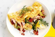Ricotta omelettes with bacon, hot-smoked salmon and zucchini #brunchrecipes #brunchrecipesforacrowd #brunchrecipeseasy #brunchrecipesmakeahead #brunchrecipeshealthy