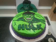 Incredible Hulk birthday Cake. All piped with frosting.