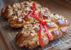 Máslová vánočka s rozinkami a ořechy - Avec Plaisir Bagel, Food And Drink, Bread, Chicken, Humor, Christmas, Hampers, Cake Shop, Xmas