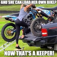 Image in Motocross collection by Beke on We Heart It Biker Chick, Biker Girl, Dirt Bike Quotes, Vw T3 Doka, Motocross Girls, Motorcycle Humor, Montero Sport, Dirt Bike Girl, Biker Quotes