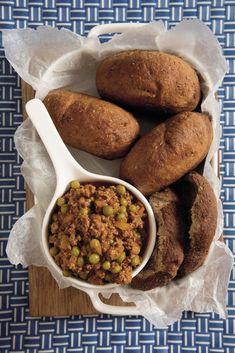 Volgraanvetkoek met kerriemaalvleis