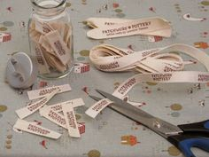 DIY Fabric Sewing Labels Tutorial from PatchworkPottery. Sewing Hacks, Sewing Tutorials, Sewing Patterns, Sewing Tips, Craft Patterns, Doll Patterns, Quilt Labels, Fabric Labels, Fabric Crafts