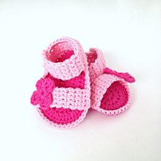 Crochet Baby Shoes by annemariesbreiblog on Etsy, €7.50