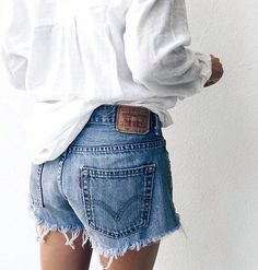 jeans shorts and a white oversize blouse | outfit inspiration