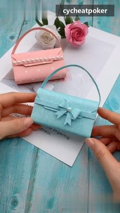Wish all the money is stuffed in the wallet. Use paper to make the Multi-layer Long Wallet. Diy Crafts Hacks, Diy Crafts For Gifts, Diy Crafts Videos, Crafts For Kids, Diy Videos, Cool Paper Crafts, Paper Crafts Origami, Diy Paper, Rope Crafts