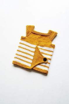 We thought you might like this cute little baby top, and we thought you might like it more because the pattern by Yarn-Madness is FREE to download!