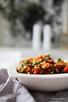 Kevyttä ruokaa - lämmin bataattisalaatti | Coconut White Healthy Food, Healthy Recipes, Chana Masala, Coconut, Ethnic Recipes, Blog, Health Foods, Health Recipes, Healthy Nutrition