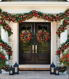 23 beautiful and festive outdoor christmas home decorations 7
