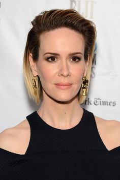 Sarah Paulson at the Gotham Independent Film Awards 2016 | Best Celebrity Eyebrows Of 2016, check it out at http://makeuptutorials.com/best-celebrity-eyebrows-makeup-tutorials