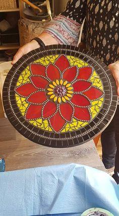 Mosaic Flowers, Mosaics, Circles, Trees, Leaves, Plants, Home Decor, Round Tables, Mosaic Art
