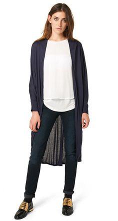 extra lange Shirt-Jacke für Frauen (unifarben, 3/4 Arm, vorne offen geschnitten) aus Jersey, abfallende Schultern, enger Arm. Material: 100 % Viskose...