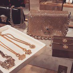 ❣❥✝ ριитєяєѕт:  ❣❥✝ Women's Handbags & Wallets - http://amzn.to/2iZOQZT
