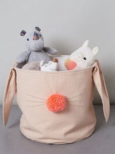 Des idées pour ranger les jouets - Joli Place Baby Couture, Fabric Toys, New Years Eve Party, Kids Bedroom, Nursery, Diy Crafts, Throw Pillows, Sewing, Children