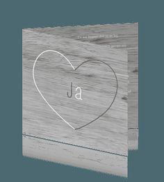 Klassieke houten trouwkaart met hart. #trouwkaarten #huwelijkskaarten