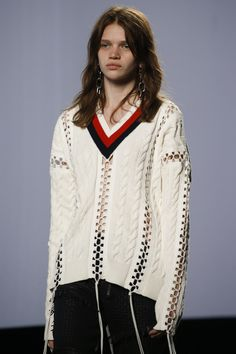 Alexander Wang Spring 2016 Ready-to-Wear Collection Photos - Vogue #knit #fashion #white