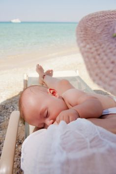 Travel and breastfeeding tips!