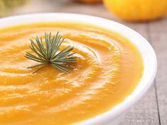 potiron, carotte, pomme de terre, ail, oignon, lait, bouillon de volaille, huile d'olive, persil, poivre, sel, muscade, crème liquide