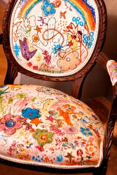 DIY - let the kids personalize a chair with fabric markers and their doodles. Might have to wait til A is older so I can explain why he can draw on this chair but not all the other ones! Kids Furniture, Painted Furniture, Childrens Artwork, Fabric Markers, Vintage Chairs, Decoration, Art For Kids, Kid Art, Sweet Home