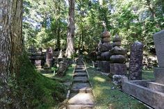 The big draw in Koyasan is the Okunoin cemetery (above), which is believe to house the meditating Kobo Daishi while he waits for Miroku, the future Buddha to arrive
