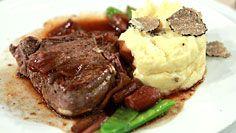 Rinderfilet an Balsamicozwiebeln & Trüffelpüree Steak, Chicken, Food, Chocolates, Filet Of Beef, Easy Cooking, Roast, Easy Meals, Food Food