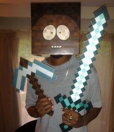 DIY #Minecraft Diamond Sword & Minecraft Pick Axe (cardboard / printed) / (Youtube video)