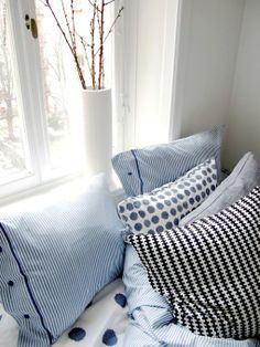 AmazonSmile : Beautiful White and Blue Striped Pattern Duvet Cover and Pillowcases Queen Size Ikea Nyponros : Duvet Cover Sets : Everything ...