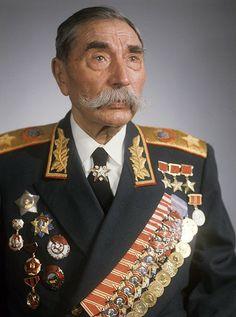 25 апреля 1883г. родился выдающийся советский военачальник, трижды Герой Советского Союза, маршал Советского Союза Семён Михайлович Будённый