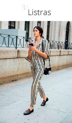 Trendy Now: look combinando (dos pés à cabeça!): Aposte em um conjunto listrado para um look super elegeante.