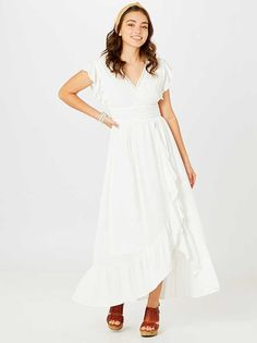 Family Photo Outfits, Family Photos, Front Tie Top, Dress Outfits, Dresses, Ruffle Sleeve, Or Rose, Hemline, White Dress