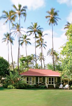 See photos of our pristine Kauai beach resort Waimea Plantation Cottages. You'll be able to picture yourself at our beautiful hotel in Waimea. Kauai Hawaii, Oahu, Waimea Plantation Cottages, Beach Cottages, Beach Houses, Honeymoon Destinations Usa, Plantation Style Homes, Poipu Beach, Arquitetura