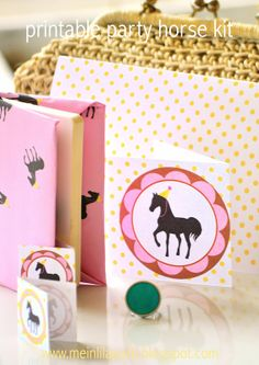 Free printable party horse kit - ausdruckbare Pferde Geschenkpapiere - freebie | MeinLilaPark – digital freebies