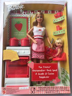 Barbie Sets, Barbie I, Barbie World, Barbie And Ken, Childhood Toys, Childhood Memories, Barbie Shelly, Disney Characters Costumes, Barbies Pics