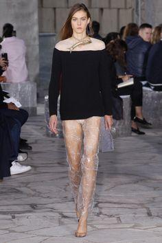 Phillipa Hemphrey, Loewe Spring 2016 Ready-to-Wear Collection Photos - Vogue