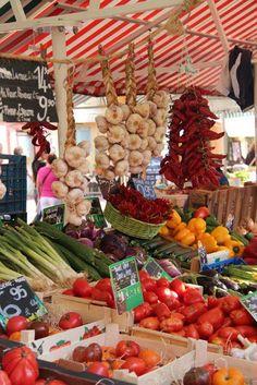 farmer's market in #provence