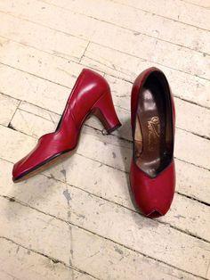 "Wish I could wear  3"" heels. ALady 1940s Shoes // Heartfelt Peep Toe Heels // by dethrosevintage, $124.00"