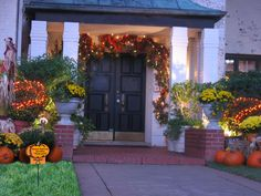 fall porch decorations | ... Autumn decorations ensure that they can be enjoyed by night as well