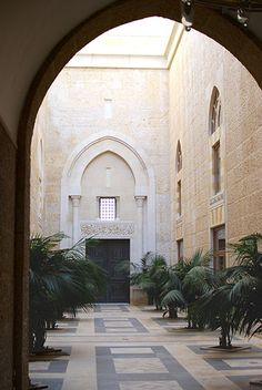 One of the entrances of King Hussein Mosque in Amman, Jordan, designed by Khaled Azzam.
