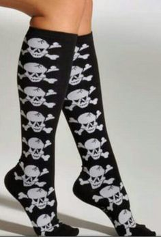 skull socks so me Skull Fashion, Gothic Fashion, Leggings, Nylons, Crazy Socks, Cute Socks, Girly, Culottes, Knee High Socks