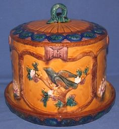 "MAJOLICA TYPE COVERED CHEESE DISH WITH BIRDS APPROX. 8"" H X 10"" DIA."