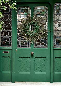 Coral Front Doors, Best Front Doors, Front Door Paint Colors, Green Paint Colors, Best Paint Colors, Painted Front Doors, What Is Chalk Paint, Green Exterior Paints, Exterior Shades
