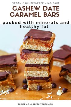These tasty little vegan bars a cinch to make. Three layers comprise these healthy cashew caramel bars made with dates, cashews, oats, cashew butter, and chocolate! Healthy Vegan Desserts, Vegan Dessert Recipes, Vegan Treats, Health Desserts, Sweets Recipes, Healthy Baking, Vegan Foods, Snack Recipes, Caramel Chocolate Bar
