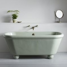 Bathtub Refinishing and Reglazing - Easy DIY Guide Shower Faucet Sets, Shower Fixtures, Shower Hose, Bathtub Shower, Minimalist Showers, Freestanding Tub Filler, Cast Iron Tub, Modern Bathtub, Willow Green