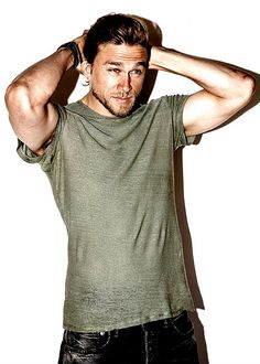 Sweet Jesus, Charlie Hunnam is the hottest man alive