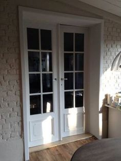 Annie Sloan Old White Annie Sloan, Windows, Outdoor Decor, Decor, House, Home, White, Home Decor