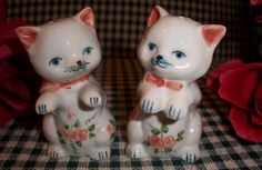 Cat Salt and Pepper Shaker White Cats Pink Flowers Leaves Bows Set of 2