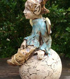 https://manuela-jung.de/produkt/keramik-elfe-gartenfigur/