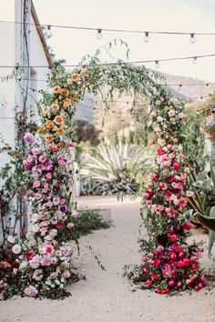 Stunning floral them wedding decoration ideas that will give added color and structure to your reception! These 25 unique floral wedding ideas will surely blow your mind and help you plan your own perfect and stylish wedding venues. Wedding Ceremony Ideas, Wedding Altars, Wedding Venues, Backdrop Wedding, Marquee Wedding, Wedding Cake, Rustic Wedding, Floral Arch, Flower Backdrop