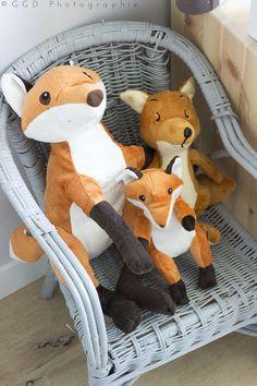 Un famille de renard en peluche