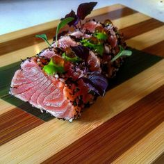 Salmon tataki!!! Salmon, Cabbage, Vegetables, Food, Recipes, Essen, Cabbages, Vegetable Recipes, Meals